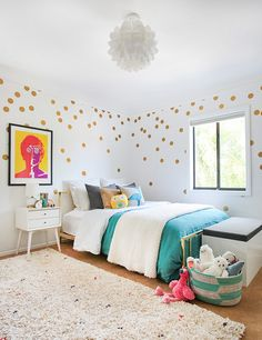 Pop of Gold! A girl's room makeover