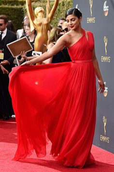 Priyanka Chopra's Red Hot Emmys Red Carpet Look | InStyle.com
