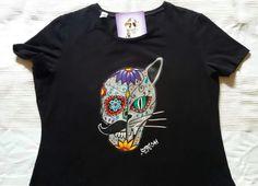 Camiseta calavera mejicana gato  Pintada a mano, artesanía textil, ilustración  https:// www.facebook.com / sandoranekoneko http:// sandoraneko.blogspot.com.es