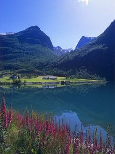 Oldenvannet, Norway, by by www.touristphoto.no