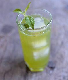 Lemon basil cocktail recipe. Refreshing and pretty.
