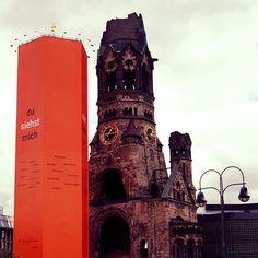 Wir wünschen den Teilnehmern des evangelischen Kirchentages eine unvergessliche Zeit in Berlin.  #kirchentag #kirchentag2017 #dekt17 #dusiehstmich #gedächtniskirche #gedächtniskircheberlin #visit_berlin #berlin #citywest