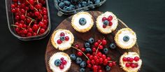 Mini cheesecaky Dobrého nemusí byť veľa. Mini cheesecaky bez lepku podľa Mary. #recept #cheesecake #bezlepku http://varme.dennikn.sk/recipe/mini-cheesecaky/