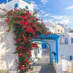 Santorini, Greece .... Never ending summer vibes.  By:@karlmesquita   #greece ini #greece