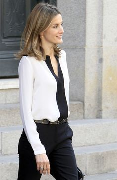 pantalon mujer casimir grano de polvora camisa blanca transparente - Google Search