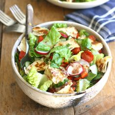 Fattoush- a bright, flavorful, healthy middle eastern bread salad