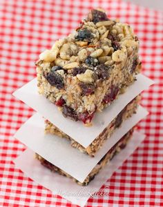 Fuel to Go Protein Bars!!!! These homemade protein bars look so good!! |artandthekitchen.blogspot