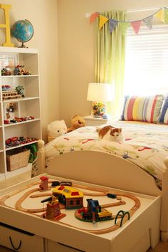More of Hayes' big boy room!
