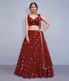 Lehenga Choli Designs, Choli Blouse Design, Lengha Saree, Silk Lehenga, Lehenga For Girls, Party Wear Lehenga, White Sleeveless Blouse, Maroon Dress, Indian Dresses