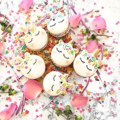Unicorn macarons are our new favourite party trick