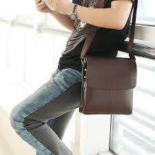 Bolsos para hombre. Cómo llevarlos #bolsos #hombres #hombre #men #man #ideas #tips #como #llevarlo #mariconera #maletin #riñonera