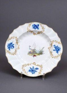 Plat en porcelaine de La Haie du XVIIIe siècle