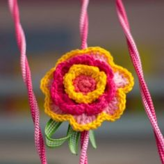 Flor em crochê para dar vida ao guarda corpo #designinfantil #decoracaoinfantil #quartoinfantil #kidsroom