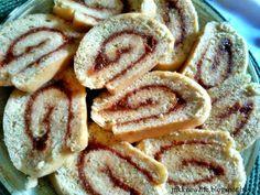 Teljes kiőrlésű piskótatekercs Onion Rings, Pcos, Cookies, Ethnic Recipes, Life, Crack Crackers, Biscuits, Cookie Recipes, Onion Strings