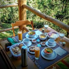Hotel Breakfast, Bed And Breakfast, What A Wonderful World, Wonderful Places, Architecture Art Design, Peaceful Places, Home Design Decor, Outdoor Travel, Outdoor Dining