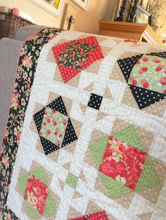 Carried Away Quilting's Shoofly Crossing Quilt sewn with Chestnut Street fabric by Fig Tree & Company for Moda.