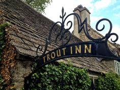 In The Trout Inn in Oxford drinkt Inspector Morse regelmatig een goede pint. Bijvoorbeeld in de aflevering: The Wolvercote Tongue. #film #locations