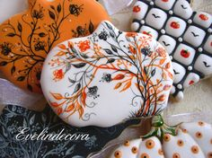 Halloween pumpkin cookies By Evelindecora http://blog.giallozafferano.it/evelindecora/