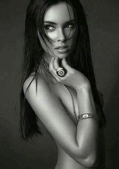 Hairy nude woman pics