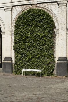 Palissade Collection by Ronan & Erwan Bouroullec Outdoor Furniture Design, Plein Air, Green And Grey, Greenery, Environment, Walls, Garden, Products, Close Board Fencing