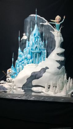 "Themed Parties| Serafini Amelia| Disney's Frozen Themed Party Ideas- Disney ""Frozen"" Cake Bolo Frozen, Tarta Frozen Disney, Torte Frozen, Frozen Theme Cake, Disney Frozen Party, Frozen Birthday Cake, Frozen Castle Cake, Birthday Cakes, Disney Desserts"