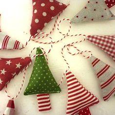 christmas decoration ideas with mini tree bunting