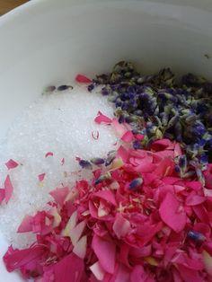 Uit Mijn Keukentje: DIY: Verse bloemenscrub
