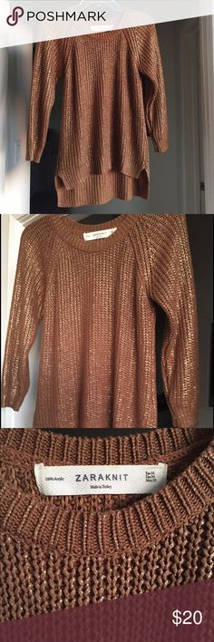 Gold metallic Zara sweater Trendy, lightweight sweater with gold metallic accent. Perfect for day or night! Zara Sweaters