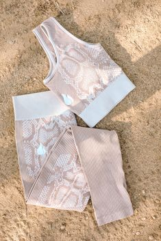 Summer Body Workouts, Easy Workouts, Shoulder Workout Routine, Heath And Fitness, Seamless Leggings, Cute Outfits, Gym Outfits, Fashion Branding, Snake Skin