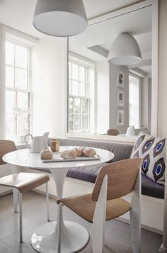 Love everything about this breakfast nook by Victoria Hagen!
