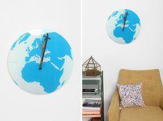 Around the World Clock | 30 Wall Clocks