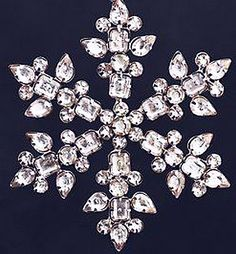 Glitzy Snowflake Button ... oooh its a button