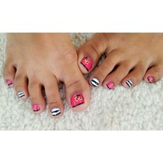 Summer toe nail design