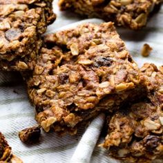 Delicious wholesome and dairy free these soft oatmeal raisin cookie granola bars are an easy healthy snack that comes together in minutes Pumpkin Recipes, Cookie Recipes, Dessert Recipes, Desserts, Breakfast Recipes, Soft Oatmeal Raisin Cookies, Oatmeal Bars, Baked Oatmeal, Oatmeal Pancakes