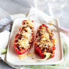 Kasvistäytteiset suippopaprikat Easy Healthy Recipes, Healthy Cooking, Healthy Snacks, Vegetarian Recipes, Easy Meals, Cooking Recipes, Delicious Recipes, Food Porn, Vegan Challenge