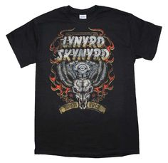 Officially licensed Lynyrd Skynyrd t-shirt featuring a front print from the band on a men's standard fit t-shirt. 100% Cotton. Black.