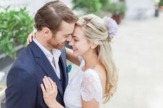 close up portrait of a blonde bride and her groom at the mandarin oriental hotel in london