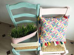 Dale color a tus sillas con Chalk Paint #chalkpaint #decoración
