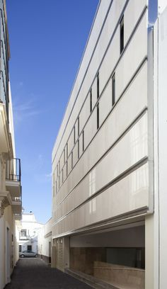 Puerto de Santamaría City Hall Extension / Daroca Arquitectos