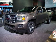GMC Canyon at NAIAS 2014 http://www.toplook.it/Motori/forza-bruta-e-tecnologia-nel-gmc-canyon-al-salone-di-detroit-2014.html