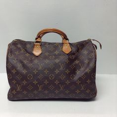 Louis Vuitton Speedy 35 Price: $315.99 Item#: 15898-635 Location: Johns Creek  Call 770-390-0010 ext 2 for more info #AlexisSuitcase #consignment #designerconsignment #designer #luxury #luxuryresale #luxuryconsignment #upscaleresale #atlantaconsignment #atlanta #designerbag #want #lv #louisvuitton #lvspeedy #lvspeedy35 #shop #style #shopnow #shopsmart #smartshopping #shopmycloset #vsco #vscocam #vscophile by alexissuitcase
