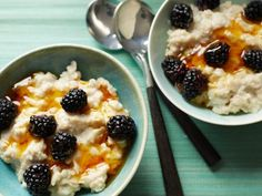 Get this all-star, easy-to-follow A Bowl of Gluten-Free Oatmeal recipe from Food Network