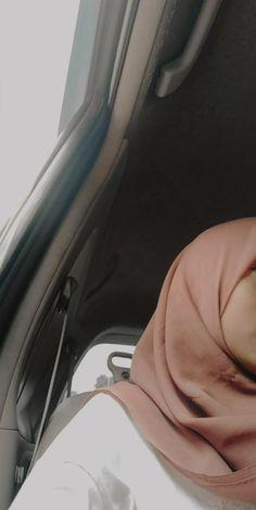 Couple Aesthetic, Aesthetic Photo, Aesthetic Girl, Cute Couple Pictures, Girl Pictures, Girl Photos, Hijab Dp, Ootd Hijab, Profile Photography
