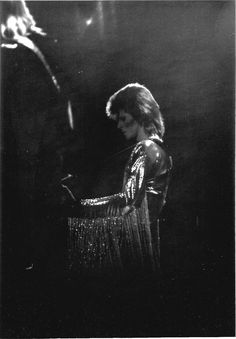 Photo of David Bowie for fans of David Bowie 19364978 Glam Rock, Ziggy Played Guitar, Mick Ronson, David Bowie Ziggy, Bowie Starman, Best Guitar Players, The Thin White Duke, Soundtrack To My Life, Ziggy Stardust