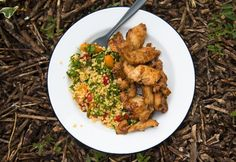14 isteni, 30 perces vacsoratipp, ha unod a hétköznapit | NOSALTY Fried Rice, Meat, Chicken, Ethnic Recipes, Food, Cilantro, Essen, Meals, Nasi Goreng