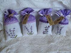 Stitched by Bebi: http://bebitunderorszaga.blogspot.hu   Barbaral Creations threads:  'Plum', 'Lavender'