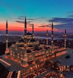 Beautiful view of Istanbul and the Çamlıca Mosque which has been recently opened this year in Istanbul Turkey. It is now the biggest mosque… Vacation Places, Places To Travel, Travel Destinations, Places To Visit, Travel Tourism, Air Travel, Beautiful Mosques, Beautiful Buildings, Beautiful Places