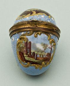 Egg shaped enamel thimble case... c. 1750