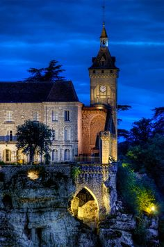 Rocamadour's clock, france... A weekend here, would be the perfect summertime escape!