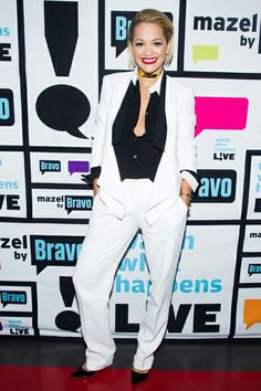 From Fancy Rompers to Relaxed Pant Suits, Here Are This Week's Best Dressed Celebs Classy Outfits, Outfits For Teens, Trendy Outfits, Low Waist Jeans, Loose Fit Jeans, Celebrity Outfits, Celebrity Style, Fancy Romper, Teen Fashion